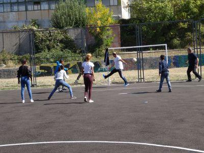футболен мач  - 9 ОУ Пейо Крачолов Яворов - Благоевград