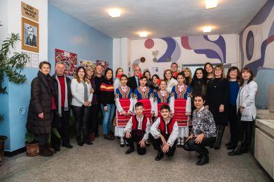 """Екип по проект за европейско училищно партньорство """"Приобщаващото образование - по подразбиране или по проект"""", финансиран от ЕС по програма Еразъм+ - 9 ОУ Пейо Крачолов Яворов - Благоевград"""